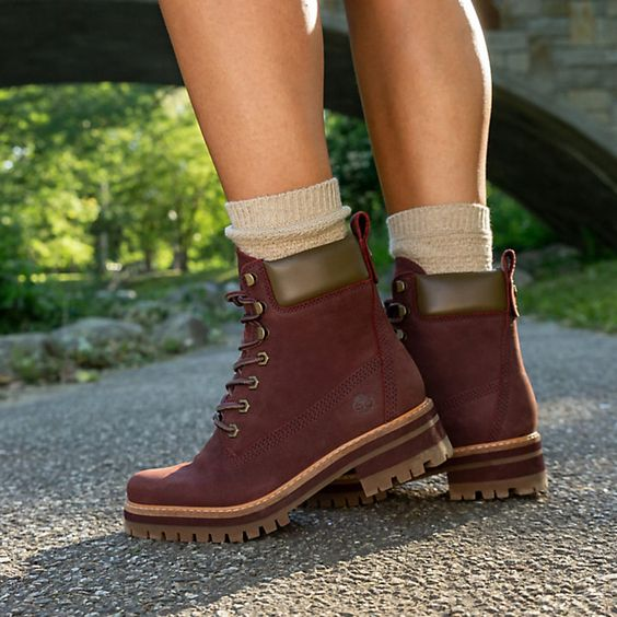Should Boots Fit Too Tight or Loose?
